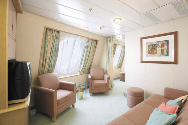 "Каюта с окном ""Family Ocean View Stateroom"""