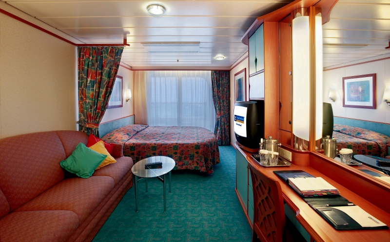 "Каюта с балконом ""Superior Ocean View Stateroom with Balcony"""