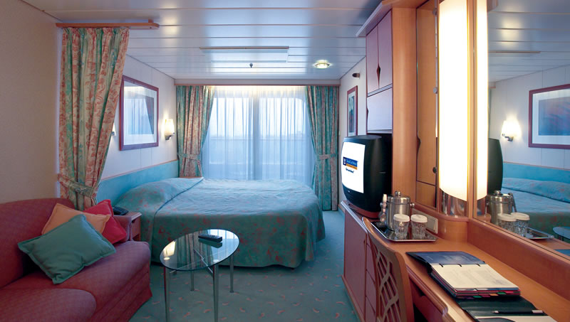 "Каюта с балконом ""Deluxe Ocean View Stateroom with Balcony"""