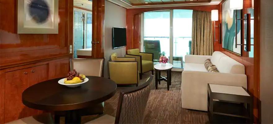 """Сьют с балконом """"2-Bedroom Family Suite with Balcony"""""""