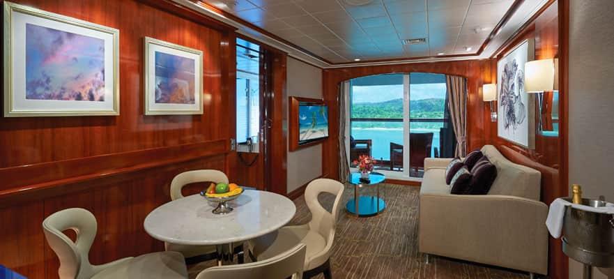 "Сьют ""The Haven 2-Bedroom Family Villa with Balcony"""