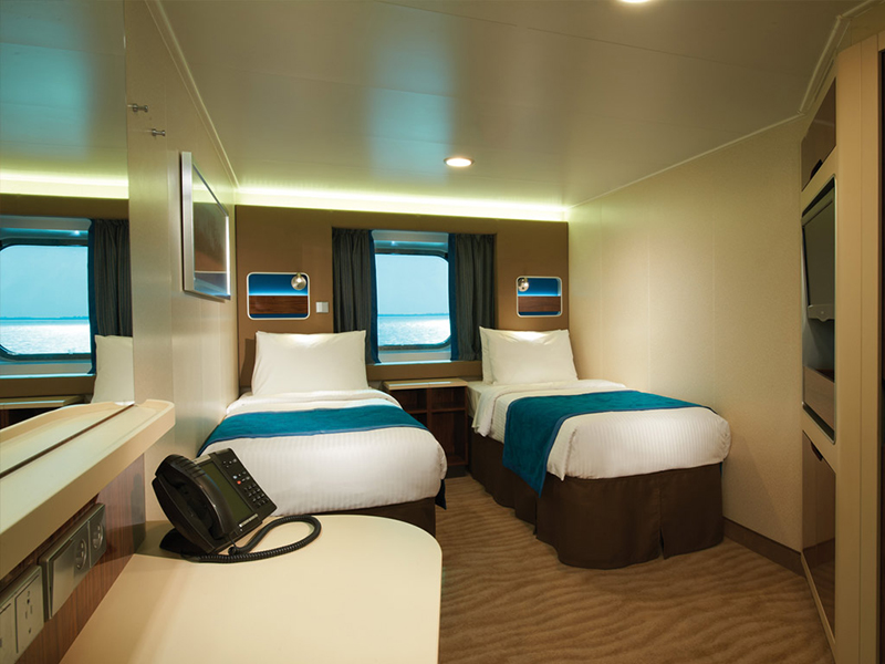 "Каюта с окном ""Oceanview Stateroom with Large Picture Window"""