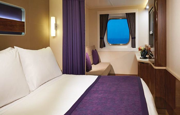 "Каюта с окном ""Family Oceanview Stateroom with Large Picture Window"""