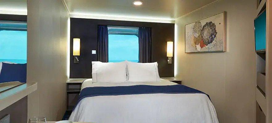 """Каюта с окном """"Mid-Ship Oceanview with Large Picture Window"""""""