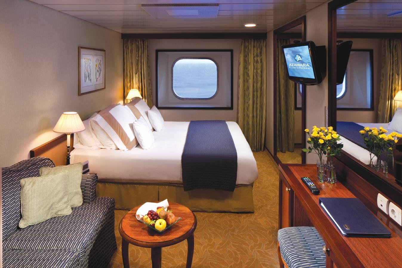 """Каюта с окном """"Club Ocean View Stateroom"""""""